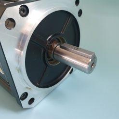 OMRON R88M-K2K020T-BS2 AC SERVO MOTOR 2.0 kW