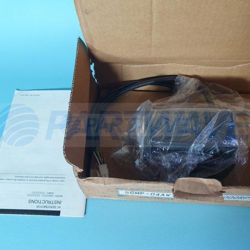 YASKAWA SGMP-04AW16S AC SERVO MOTOR 400W 3000RPM