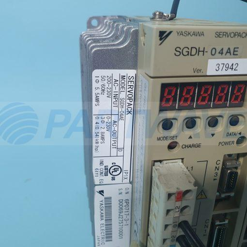 YASKAWA SGDH-04AE SERVO DRIVE W/ JUSP-NS115