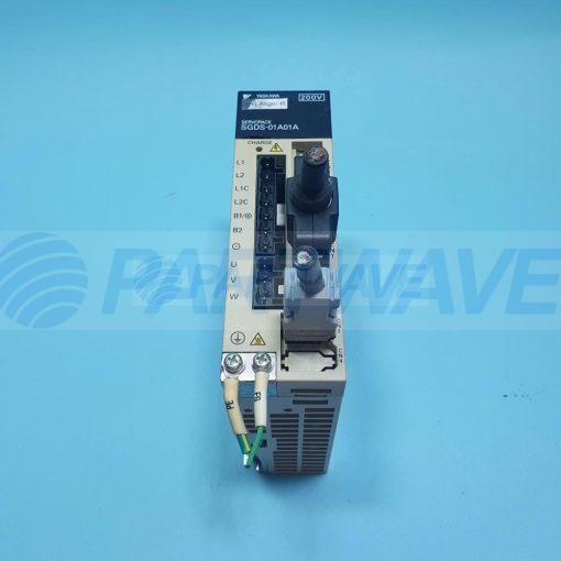 YASKAWA SGDS-01A01A SERVOPACK 100W 200V